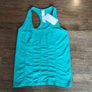 Fabletics Delta Tank Seamless & Fitted L NWT